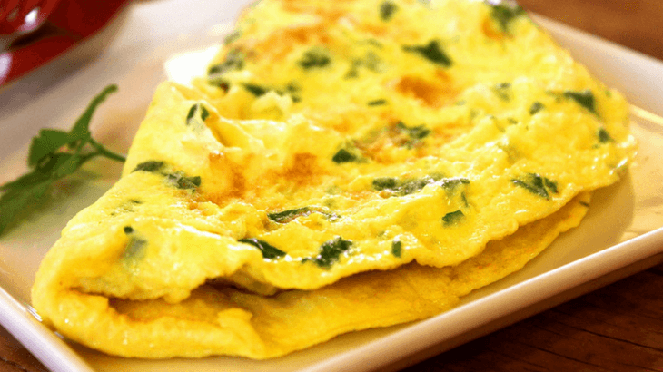 High protein pregnancy breakfast idea - omelet
