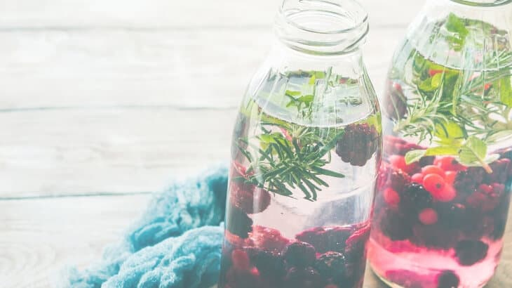 Drinks for pregnancy - fruit infused water